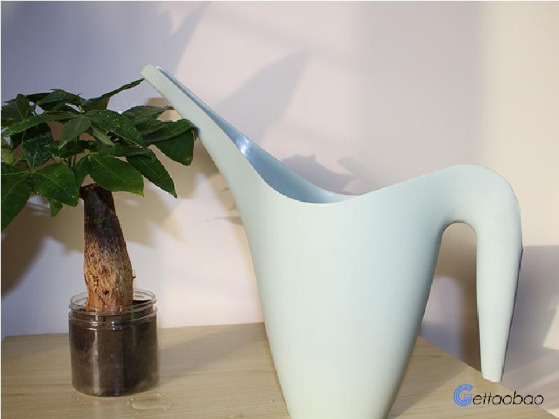 "zนำเข้าสินค้าจากจีน รดน้ำดอกไม้ให้ชุ่มฉ่ำกับ ""บัวรดน้ำต้นไม้"""